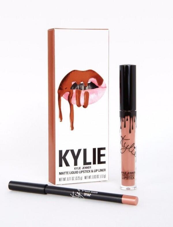10 Makeup Favorit Kylie Jenner yang Berhasil Menyulapnya Makin Menawan