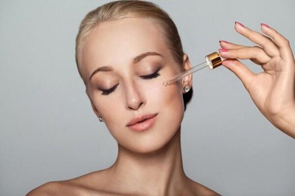8 Alasan Kenapa Kamu Butuh Skincare Berbahan Niacinamide