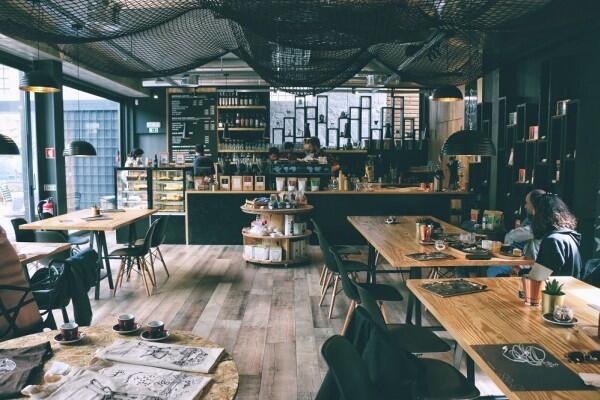 5 Cara Menyulap Ruang Kerja Jadi Mirip Coffee Shop, Dijamin Betah!