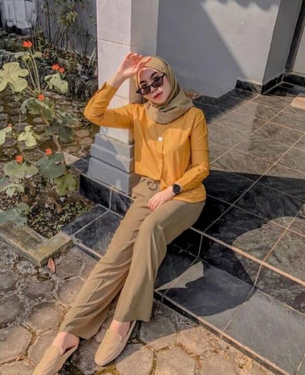 10 Hijab Look ala Selebgram Nabila Tarmuzi, Cute & Hits Banget Loh!