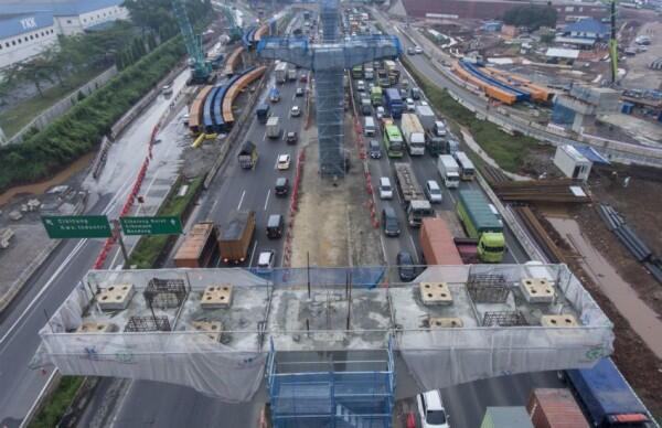 Presiden Jokowi: Jalan Tol Jakarta -Surabaya Tersambung Akhir Tahun