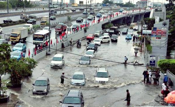 Ferguso, Jangan Nekat Terobos Banjir Kalau Sayang Sama Kendaraan