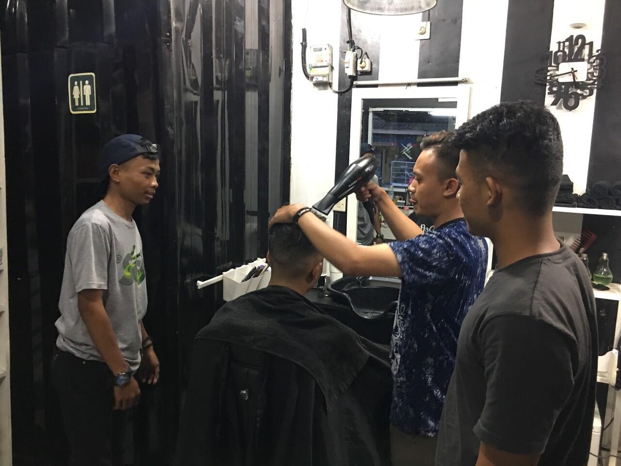 kursus barbershop / barberman / kapster / tukang cukur deft barber gratis