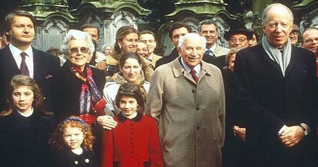 Inikah 6 Klan Keluarga yang Bisa Mengontrol Dunia dan Kehidupan Manusia di Bumi?