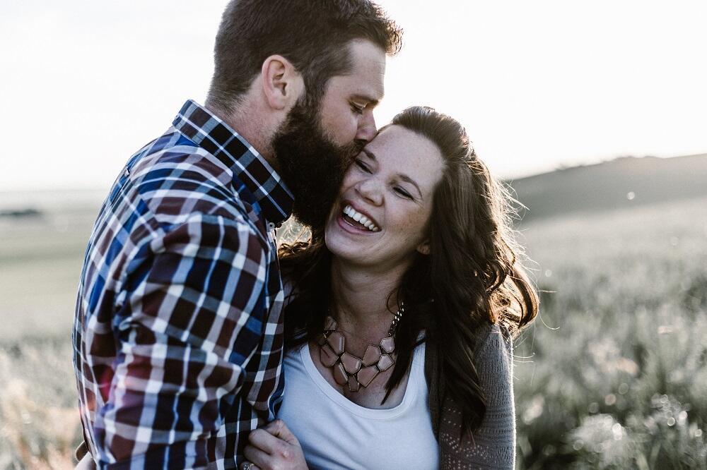 Terbukti Medis, 7 Alasan Logis Kenapa Ciuman Itu Baik Bagi Kesehatanmu