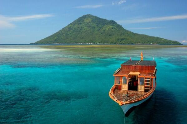 10 Spot Wisata di Manado Terbaru dan Paling Hits buat Dikunjungi