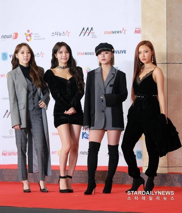 26 Potret Keren IdolKPop Hadiri Red Carpet Asia Artist Awards 2018