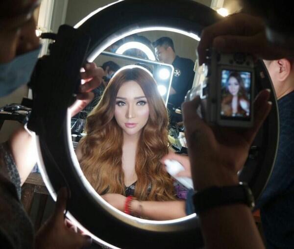Rilis Lagu Baru, Ini 10 Potret Lucinta Luna yang Makin Hits & Elegan!