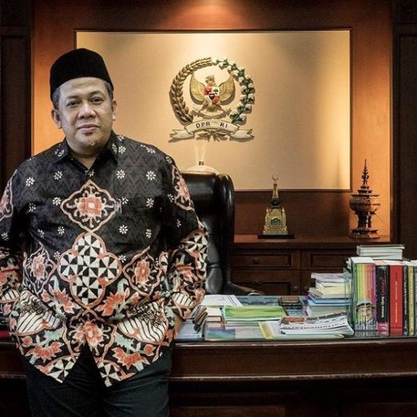 Fahri Hamzah Ingin Jokowi dan Prabowo Berpelukan di Reuni 212