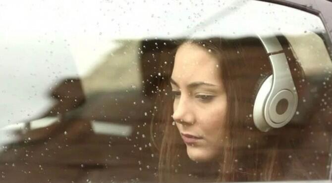 Sering Mendengar Lagu Sedih? Ternyata ada Manfaatnya loh