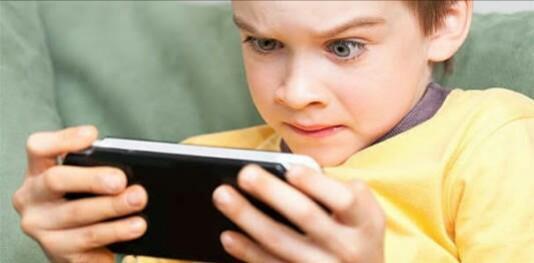 Penelitian: ini 10 Bahaya Gadget bagi Anak di bawah usia 12 Tahun