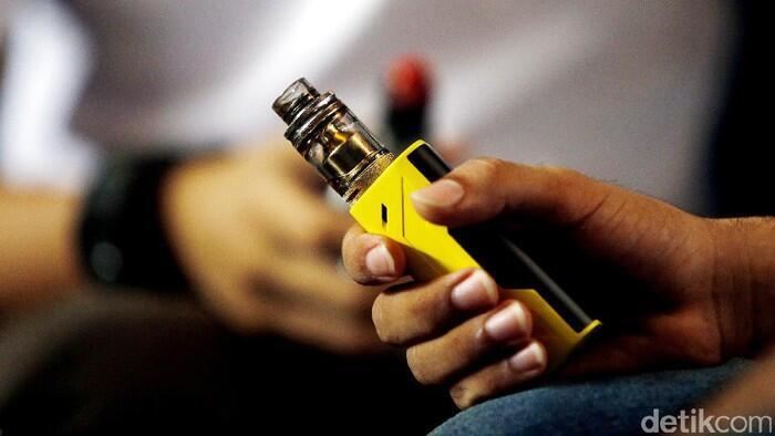 Mau Rokok atau Vape, Dokter Sebut Sama-sama Bahaya