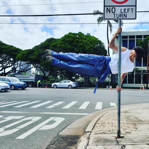 Pemotretan Sambil Liburan, 10 Potret Seru EXO di Hawaii
