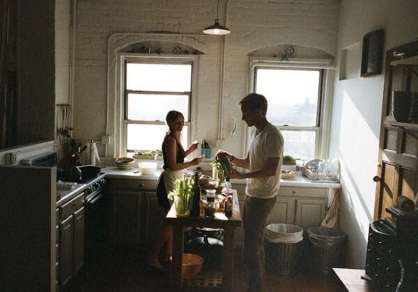 [INFOGRAFIS] Pasangan yang Bahagia Biasanya Bertambah Berat Badan