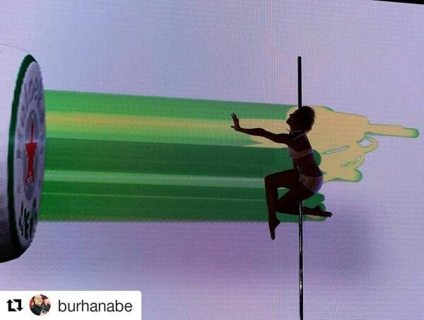 10 Potret Terbaru Vicky Burki, Sekarang Tekuni Pole Dancing!