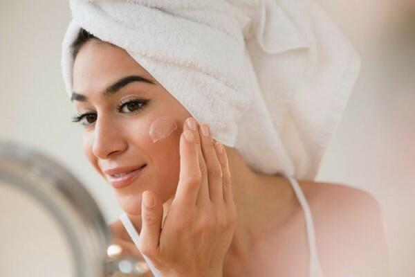 5 Alat Makeup yang Wajib Banget Dimiliki Oleh Pemula, Sudah Punya?