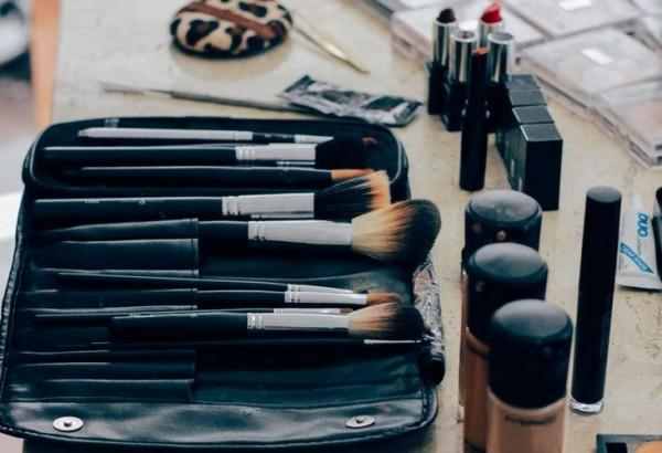 Gak Semua Harus Dibeli, Ini Tips Biar Belanja Skincare Lebih Hemat