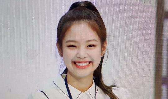 """5 Artis Kpop Cantik Dengan """"Gummy Smile"""" Yang Imut Dan Menggemaskan"""