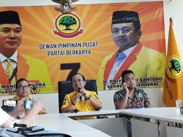 Ahmad Basarah: Prabowo Tega Buka Aib Bangsa Sendiri di Luar Negeri