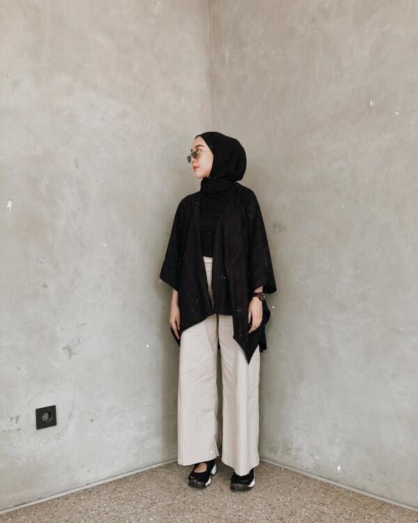 Anti Ribet, 10 Fashion Item dengan Hijab yang Cocok Buat ke Kampus