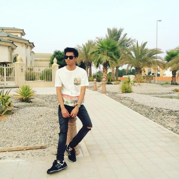 """10 Potret Macho Arif Muhammad, Youtuber yang Identik dengan """"Mak Beti"""""""