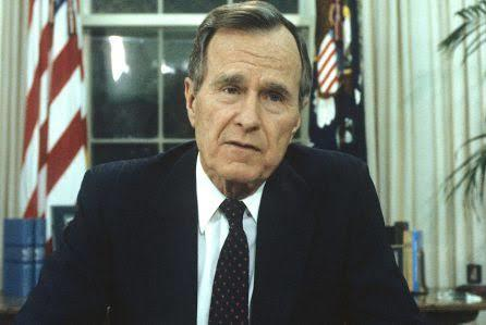 Mantan Presiden AS George HW Bush telah meninggal di usia 94 tahun, anaknya George W