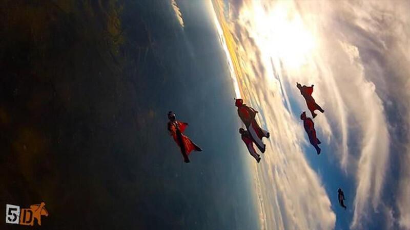 Awan Cantik Langit Aussie yang Bikin Lo Bisa Minat Jajal Wingsuit Flying
