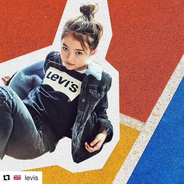 10 Potret Imut Ella Gross, Model Cilik yang Mendunia