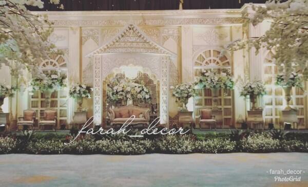 Bak Taman Bunga Putih, 7 Inspirasi Dekor Wedding Ge-Kiku yang Memesona