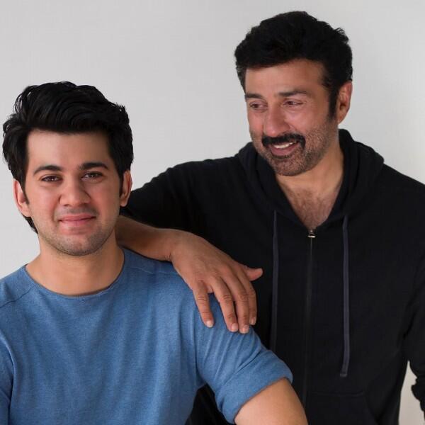 10 Foto Artis Bollywood dan Putranya, Warisi Pesona Sang Ayah