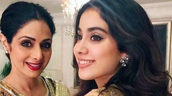 10 Kedekatan Seleb Bollywood & Putrinya, Like Mother Like Daughter