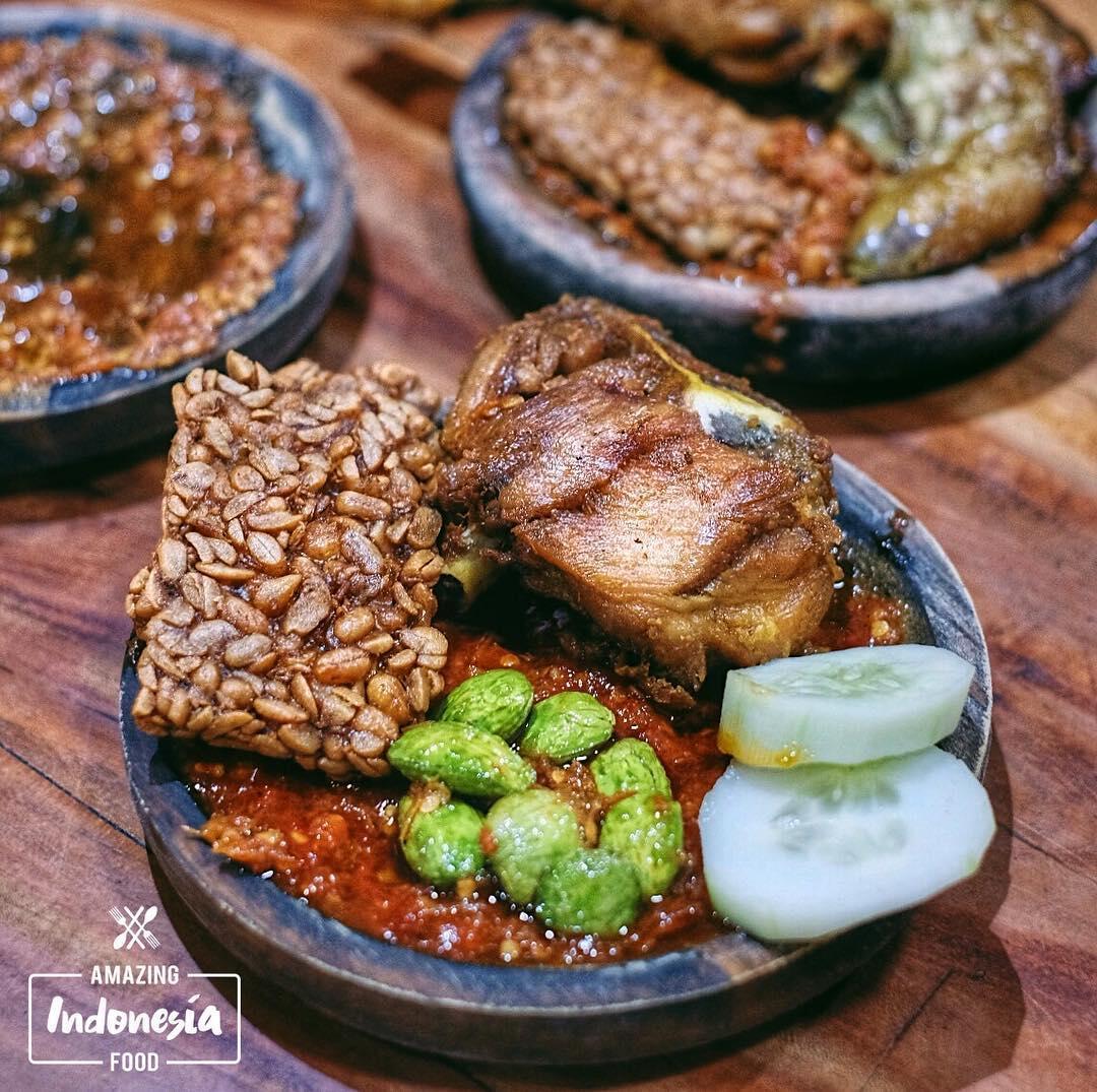 5 Tempat Penyetan Paling Recommended di Surabaya, Mantap Gila!