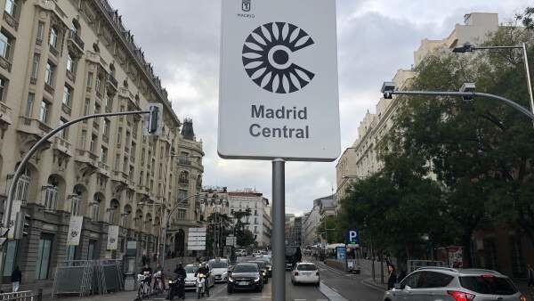 Madrid Larang Mobil Tua Lalu Lalang di Jalanan