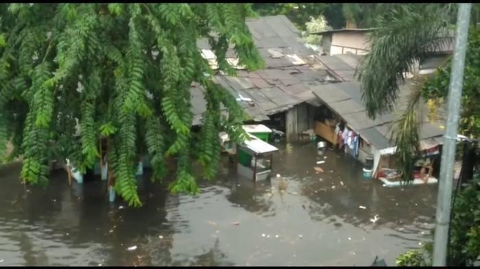 Kawasan Kebon Jeruk Jakarta Barat Banjir Lagi, Ketinggian Air Hingga Sepinggang Orang
