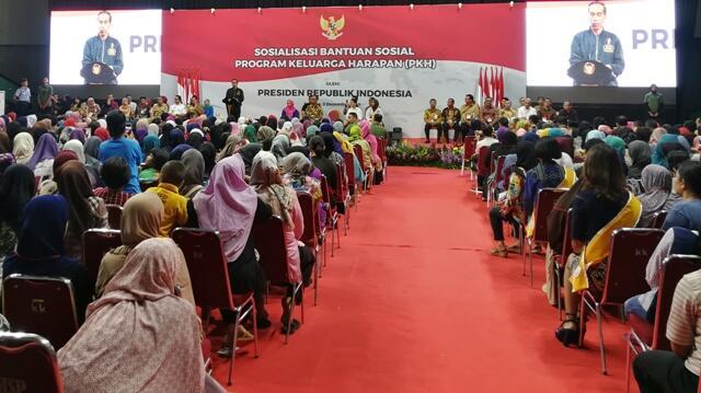 Jokowi Janji Dana PKH Naik Tahun Depan