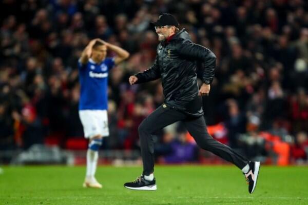 Liverpool Menang Dramatis, Jurgen Klopp Selebrasi ke Dalam Lapangan