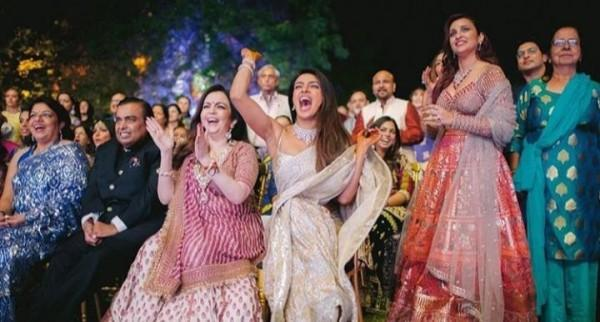 10 Kemeriahan Perayaan Sangeet Priyanka Chopra, Nick Jonas Nari India!