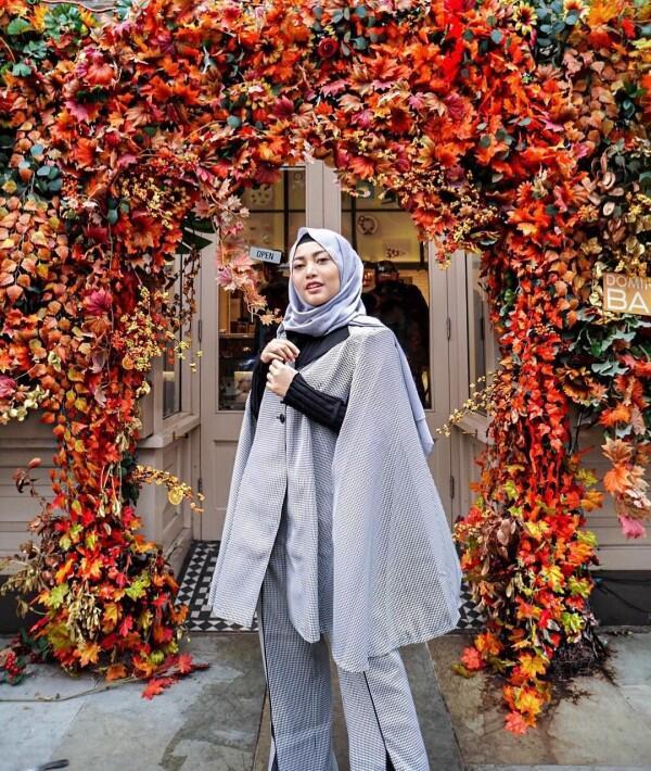 Hijrah? Inilah 9 Potret Penampilan terbaru Rachel Venya dengan Hijab