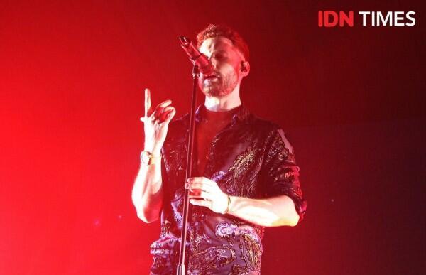 10 Potret Keseruan Konser Calum Scott di Jakarta, Bikin Baper!