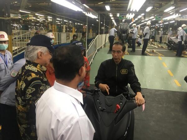 Yamaha Ekspor 1,5 Juta Unit Motor, Jokowi Janji Permudah Investasi