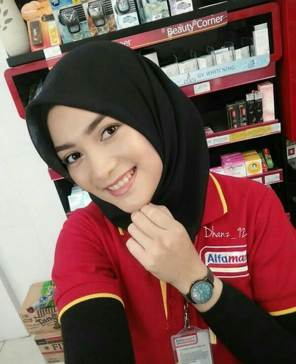 10 Editan Kocak Artis Jadi Kasir Minimarket, Mau Dong Dilayani!