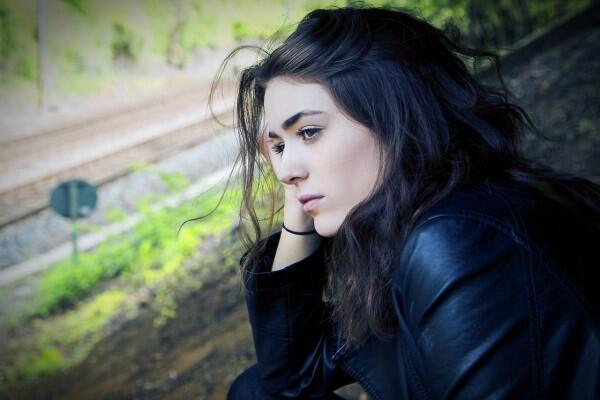 Bener Gak Sih 5 Hal Ini Cuma Dirasakan Oleh Cewek Introvert?