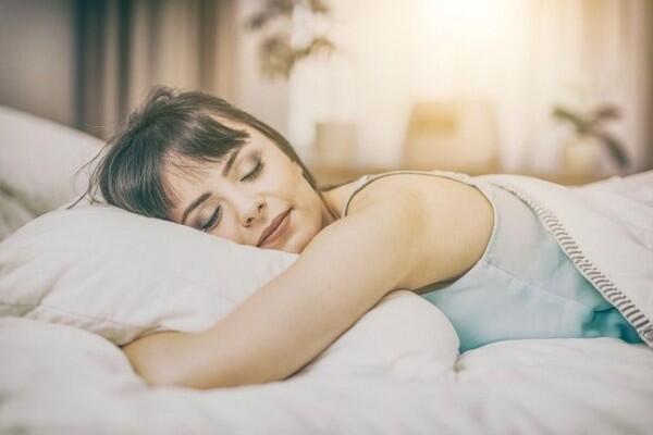 6 Posisi Tidur Ini Gak Baik Buat Kesehatanmu lho, Jangan Keseringan Ya