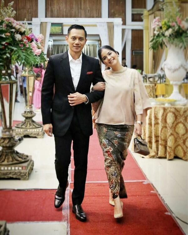 Beda Dunia, Ini 10 Artis Indonesia yang Menikah dengan Politisi
