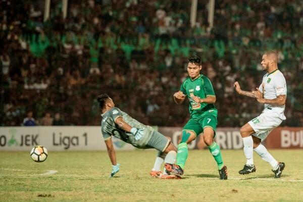 Dilibas PSMS 4-0, Pelatih Persebaya Sebut Timnya Lambat Panas