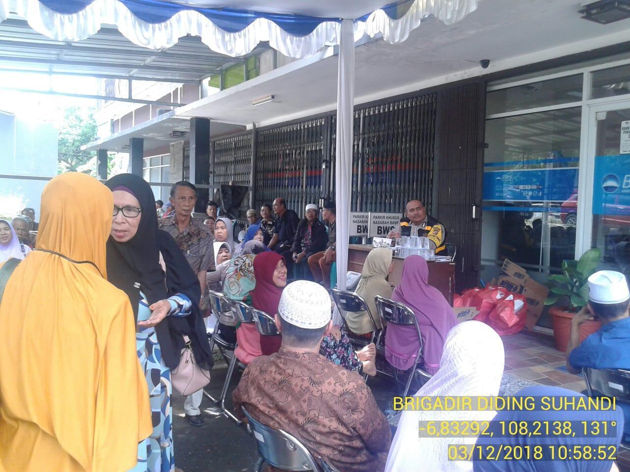 Polisi Jaga Bank BWS Guna Ciptakan Situasi Kamtibmas Yang Kondusif