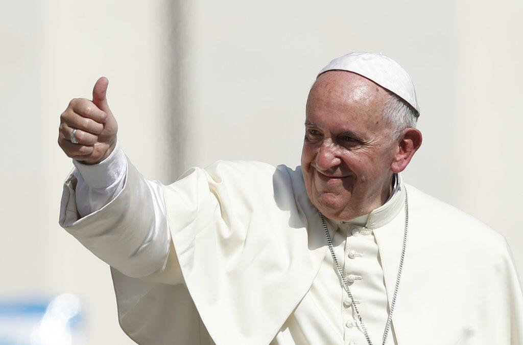 Paus Franciskus Tolak Pemuka Agama Homoseksual