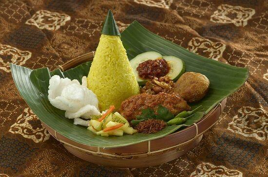 Racikan Nasi Kuning dari 5 Daerah Ini Unik dan Bikin Nagih