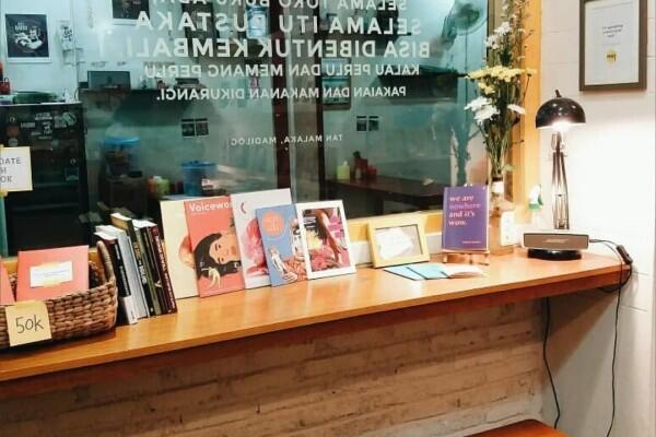 Butuh Variasi Bacaan Unik? Cek 5 Toko Buku Indie Lokal Ini Dulu!