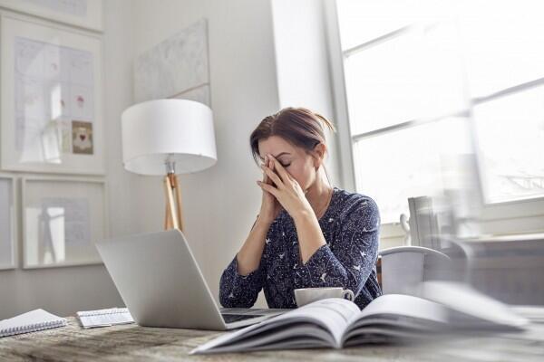 5 Kebiasaan Ini Tanpa Disadari Bisa Bikin Kamu Stuck di Tempat Kerja